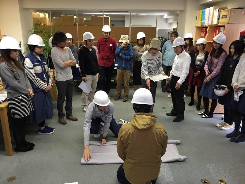 2015年11月19日 火災避難訓練&ケガ人搬送訓練実施!