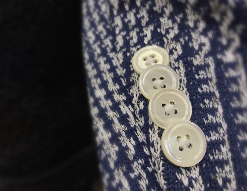 ジャケットにいつもと違うボタンを選んでみる!?
